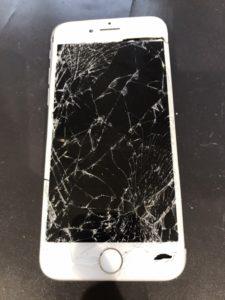 画面が割れてつかなくなったiPhone7