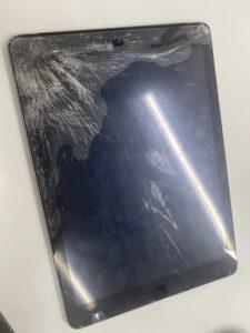 ガラスがバキバキに割れてしまったiPad5