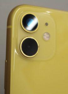 修理で新しいレンズガラスが付いたiPhone11画像