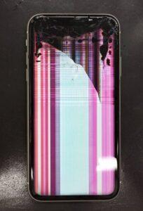 画面故障による表示不良の症状があるiPhone画像