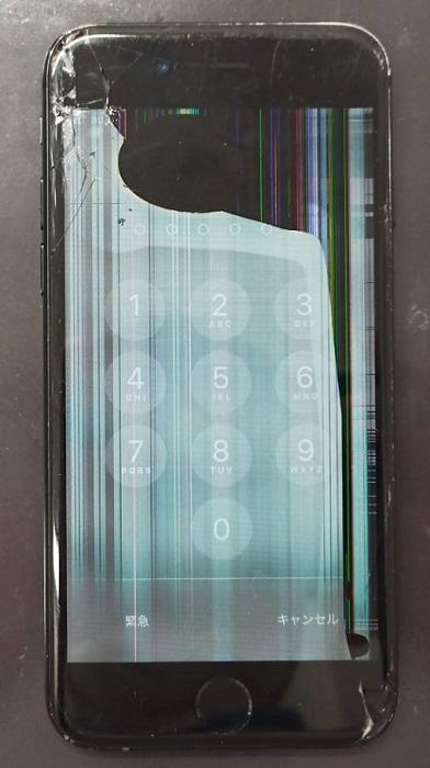 画面が壊れ表示不良の症状があるiPhone7画像