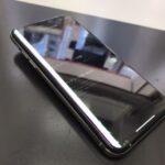 iPhoneXのバッテリーが膨らんで画面が浮いてる!?そのまま放置は危険です!