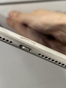 iPadの充電口の詰まり