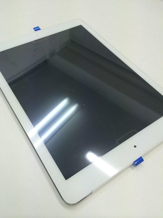 iPadのガラス割れ修理後