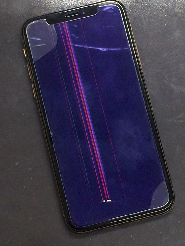 iPhoneXS表示不良