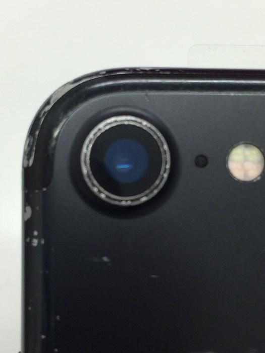 カメラレンズ修理の完了したiPhone7